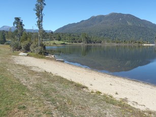Lake Brunner @ Cashmere Bay boat ramp (1)