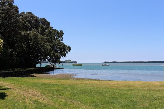 Tauranga Harbour at Tanners Point Beach