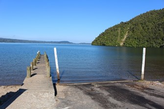Lake Rotoiti at Hinehopu (Main photo)