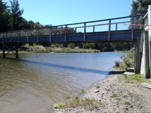 Waikawa Estuary at Footbridge